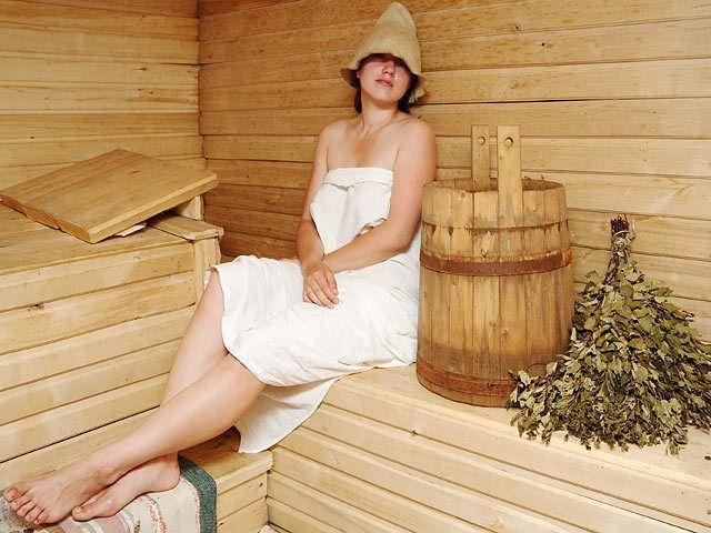 Как женщинам париться в бане с пользой для души и тела