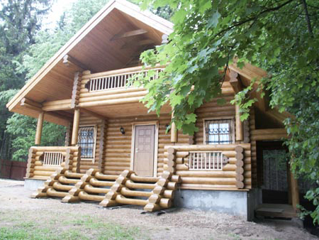 Гостевой дом-баня на фоне красивой природы