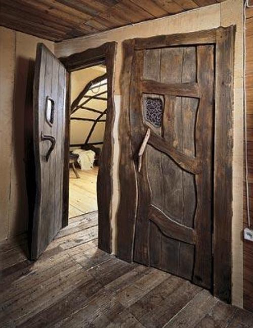 Такие двери вряд ли защитят от холода