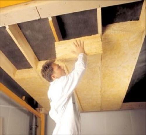 Процесс утепления потолка бани