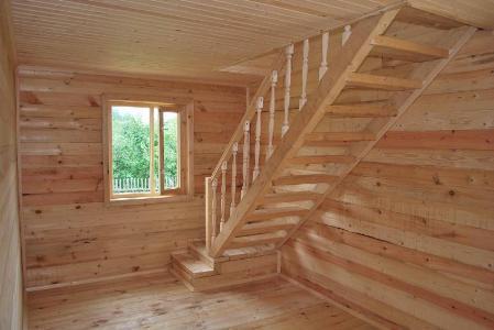 Лестница на мансарду в бане