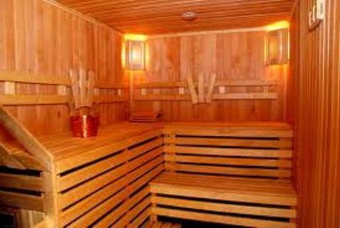 Расположение светильников в деревянной бане может быть разным