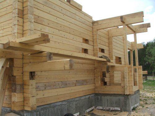 Баня из бруса строится достаточно просто и быстро