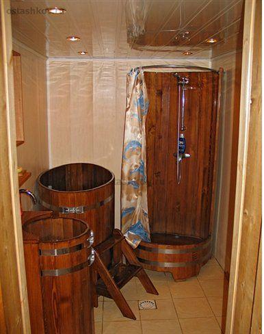 Деревянный душ в бане