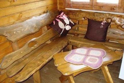 Вот из таких простых материалов можно сделать скамейку для бани