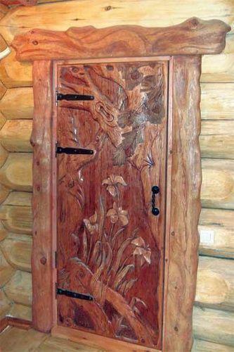 Оригинальная резная дверь в баню