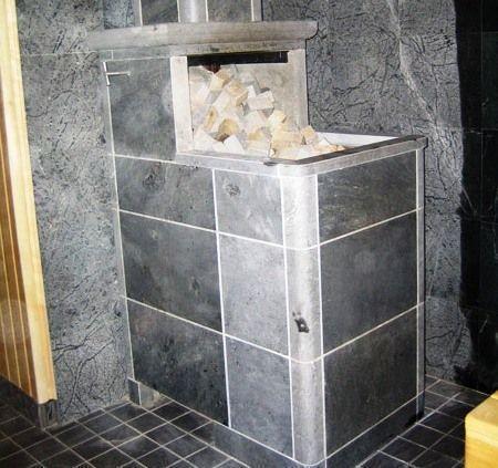 Облицованная железная печь