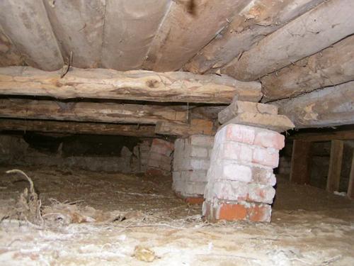 Фундамент, которому нужен ремонт
