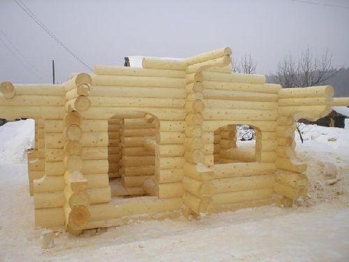 Заготовки деревенской бани из сруба