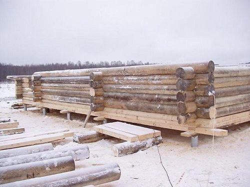 Начало строительства сруба для гостевого дома-бани на свайно-винтовом фундаменте