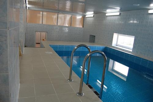 Бассейн в общественной бане