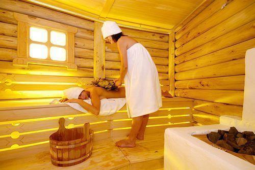 Русская семейная пара в бане с другом фото 734-663