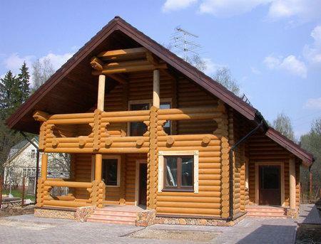 Самобытный деревянный дом из бруса