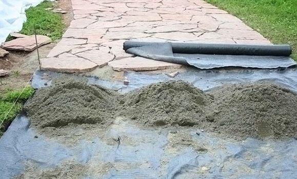 Как применять геотекстиль на садовом участке и в частном домовладении