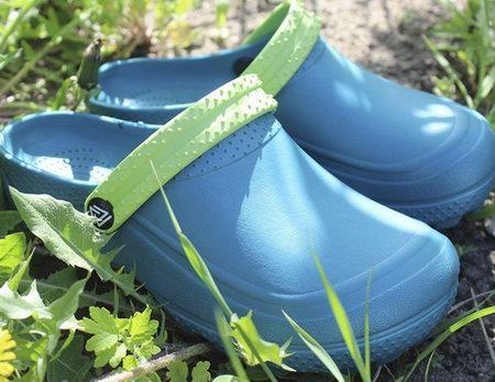 Современная обувь из ЭВА для бани и частных домов
